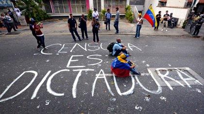 """Para la SIP, la dictadura venezolana ve a los medios independientes como un """"enemigo permanente"""""""
