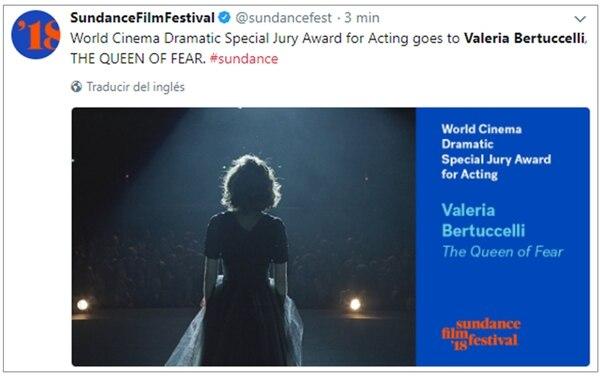 La premiación de Bertuccelli en la cuenta oficial de Twitter del Sundance Filme Festival; la actriz no pudo participar de la ceremonia, y agradeció el premio a través de un video