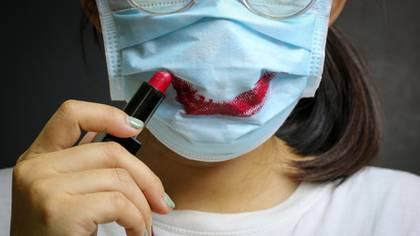 Dermátologas explican por qué no hay que compartir los cosméticos en tiempos de pandemia (Shutterstock)