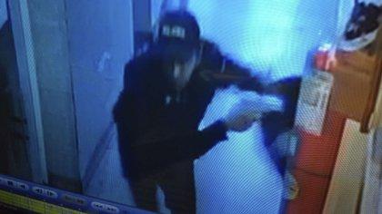 Imágenes captadas por las cámaras de seguridad instaladas dentro de la Comisaria 1 de San Justo