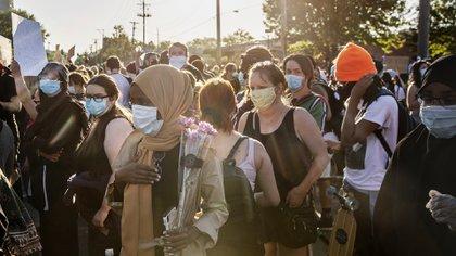 Manifestantes en Minneapolis el sábado 30 de mayo de 2020. (Victor J. Blue/The New York Times)