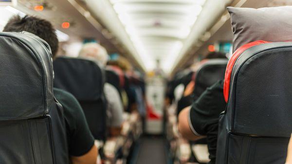 Los motivos por los que nunca deberías comer en los aviones y otros consejos prácticos