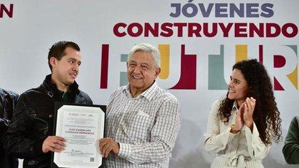 La SECTUR exhortó a las empresas relacionadas en este rubro para que reciban a los candidatos (Foto: TW/@horacioduarteo)