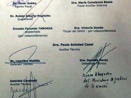 El acta donde se resolvió el cuarto intermedio, que contiene las firmas de Gabriela Carpineti y Daniela Verón y donde se confirma la presencia virtual de Victoria Donda