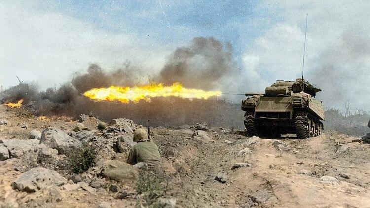 Un M4 Sherman en versión lanzallamas, apodado