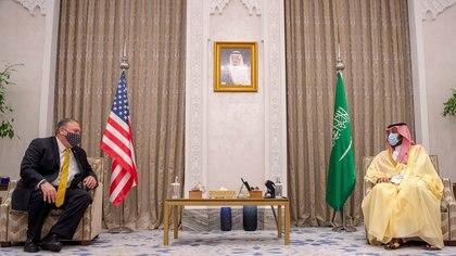 Mike Pompeo también se reunió con el príncipe saudita en Riad (Reuters)