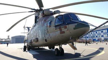 El nuevo Mi-26 pesa 28 toneladas y puede cargar hasta 80 soldados equipados o vehículos blindados (Fotos: Ricardo Marquina Montañana)