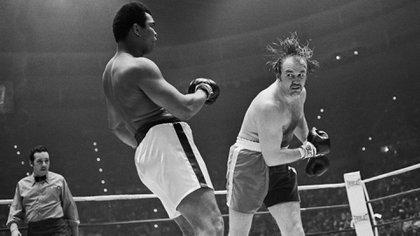 Pelea Ali vs Wepner, en el momento en que cae Ali