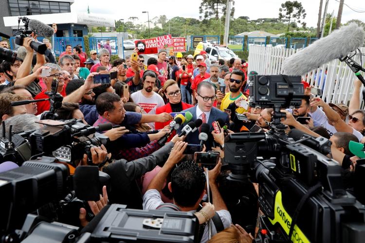 Cristiano Zanin, abogado de Lula da Silva (REUTERS/Rodolfo Buhrer)