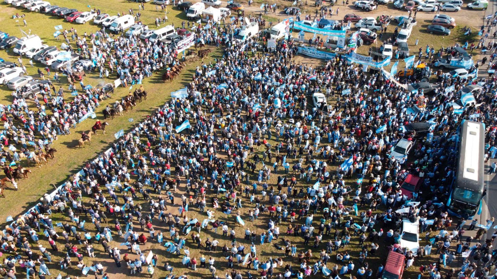 Drone - Marcha - Protesta - san nicolas - 9 de julio - campo