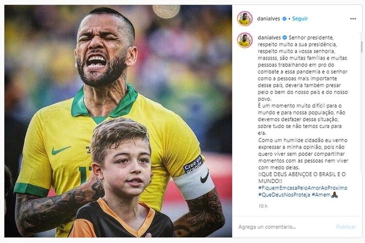 Esta es la publicación de Dani Alves para Jair Bolsonaro (Instagram)