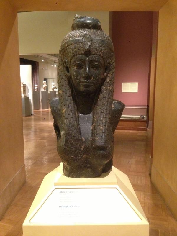 Busto de Cleopatra, Museo real de Ontario