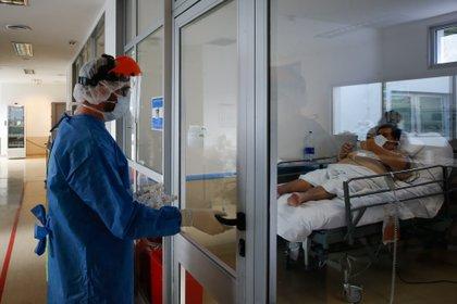 El Ministerio de Salud redobló esfuerzos para que el sistema sanitario no colapse durante la pandemia - EFE/ Juan Ignacio Roncoroni/Archivo