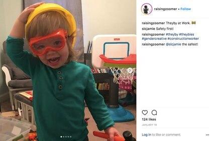 """Zoomer en Instagram, jugando a construir: """"Bebelle trabajando""""."""