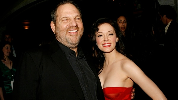 "Harvey Weinstein y Rose McGowan en la premiere de ""Grindhouse"", en 2007 (Kevin Winter/Getty Images)"