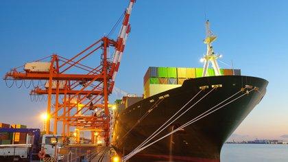 Los importadores están cotizando con un valor del dólar intermedio al del Nación y al contado con liquidación