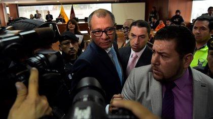 Jorge Glas llegando al tribunal para el primer día del juicio en su contra. (AFP)