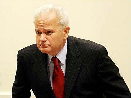 Handke ha sido criticado por brindar en el pasado su apoyo a Slobodan Milosevic, el ex presidente serbio que falleció durante el juicio en que se lo juzgaba por genocidio