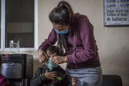 La ayuda se brinda también a niños. (Foto: Cuartoscuro)