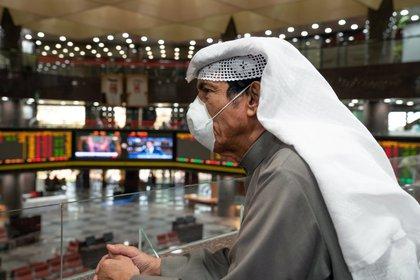 Las bolsas del Golfo cayeron con fuerza este domingo (Reuters)