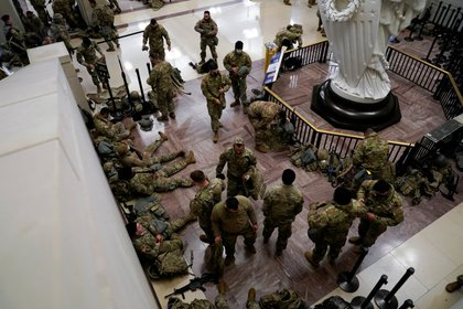 This time, the federal government sent the Federal Guard to the Capitol to prevent any attempt to attack the building by forces pro-Donald Trump (REUTERS / Joshua Roberts)