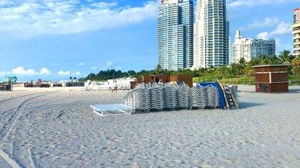 Todo listo para recibir a los visitantes en las playas de Miami Beach (Soledad Cedro / Infobae)
