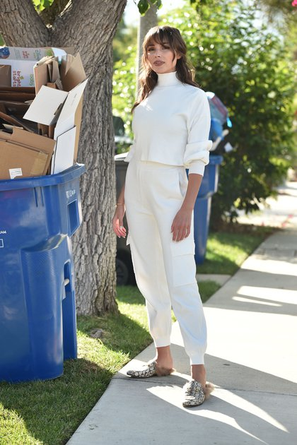 Olivia Culpo hizo limpieza en su oficina de Los Ángeles, California. La modelo fue vista sacando cajas de de cartón de Culpo x INC, la línea que lanzó junto a sus hermanas para la tienda Macy`s (Fotos: The Grosby Group)