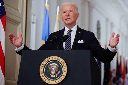 El presidente de Estados Unidos, Joe Biden, durante su primer discurso a la nación en el primer aniversario de los confinamientos por la pandemia de coronavirus, en la Casa Blanca, Washington D. C.,, el 11 de marzo de 2011. REUTERS/Tom Brenner