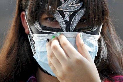 Debido a la pandemia, las funciones de lucha libre fueron suspendidas (Foto: EFE)