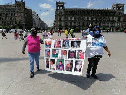 Brigada Marabunta. Caminata en el Zócalo por nuestrxs desaparecidxs (Foto: Twitter/BrigadaMarabunt)
