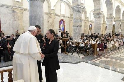 El Papa Francisco celebra una oración en la Iglesia de la Gran Inmaculada, en Qaraqosh
