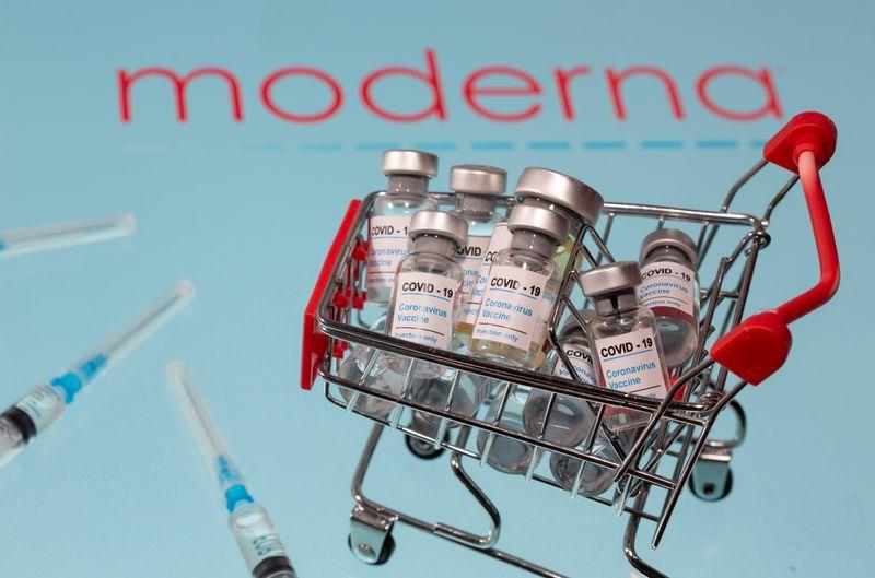 La FDA acaba de comunicar que aprobó el uso de emergencia de la vacuna de Moderna en los EE. UU. (REUTERS / Dado Ruvic)