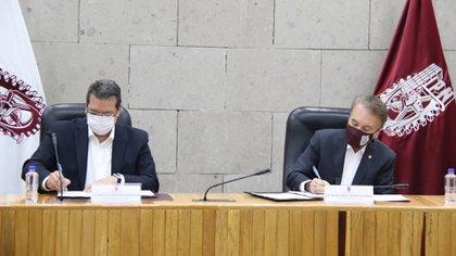 El gobernador de Tlaxcala, Marco Antonio Mena Rodríguez, y el director general del IPN, Mario Alberto Rodriguez Casas, firmaron acuerdo (Foto: Twitter/@MarioRdriguezC)