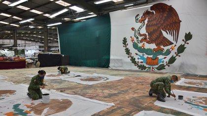 Las actividades al interior de la Fábrica de Vestuario y Equipo (FAVE), perteneciente a la Secretaría de la Defensa Nacional (SEDENA), arrancan aproximadamente a las 7 de la mañana. (Foto: Reuters)