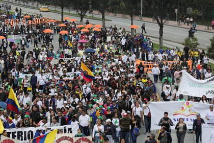 Demonstrators participate in a protest for a national strike, in Bogota, Colombia, November 21, 2019. REUTERS/Luisa Gonzalez
