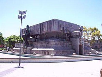 Mausoleo de Rivadavia, en Plaza Miserere.