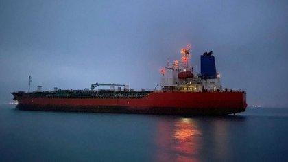 Irán libera al petrolero surcoreano que tenía retenido desde enero