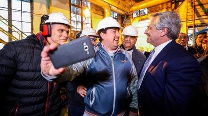 El año pasado, Alberto Fernández festejó el Día de la Industria en una fábrica. Ya había ganado las PASO.