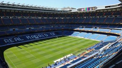 El Santiago Bernabéu donde se jugará la final de la Copa Libertadores entre Boca y River (AFP)
