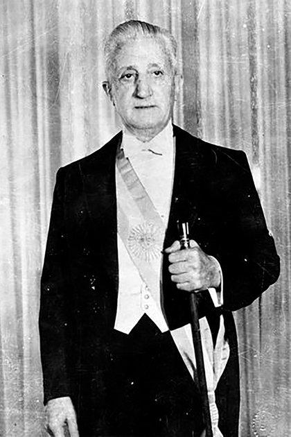 Arturo Umberto Illia fue presidente de la Nación entre el 12 de octubre de 1963 y el 28 de junio de 1966, cuando fue derrocado por un golpe de estado