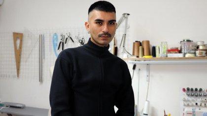 Camilo Albanez, la mano detrás del street couture favorito del trap