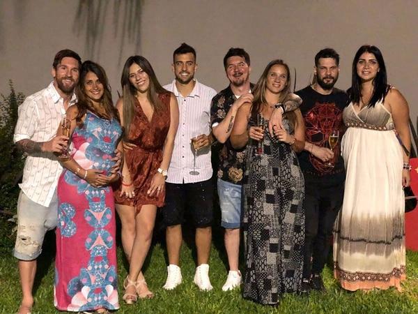 El crack de Barcelona y un tierna imagen junto a su esposa embarazada.