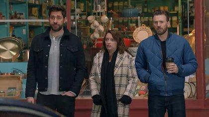 John Krasinski, Rachel Dratch y Chris Evans, en el comercial del Hyundai Sonata.