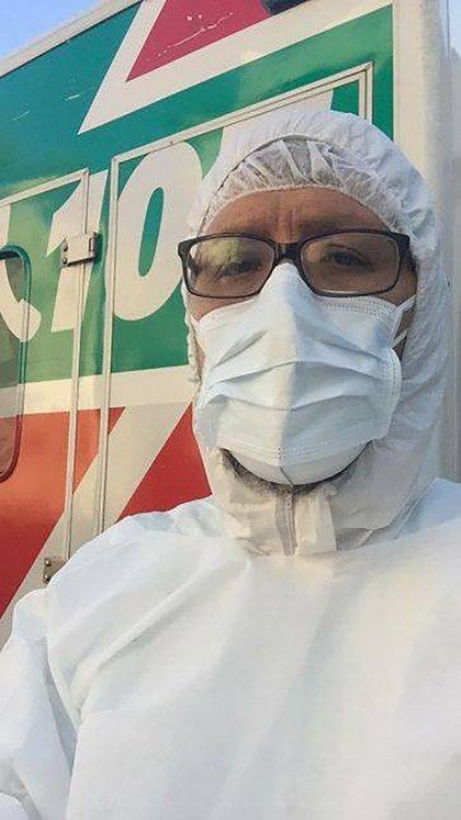 El doctor Juan Lobel es la primera víctima fatal que el coronavirus deja en el SAME. Tenía 47 años, 4 hijos y no poseía antecedentes de otras patologías