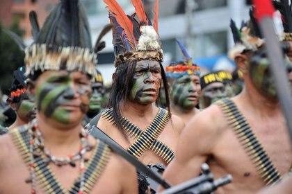FOTO DE ARCHIVO. Indígenas shuar de la Amazonía de Ecuador participan de una marcha en Quito.  REUTERS/Gary Granja