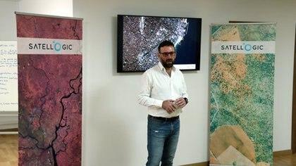 Marco Bressan es una pieza importante en la empresa para el procesamiento y distribución comercial de la información satelital obtenida
