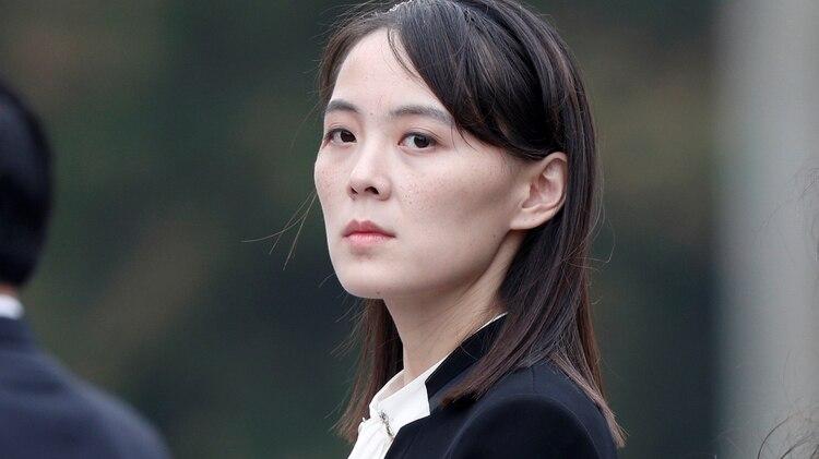 Kim Yo Jong, la hermana más joven del líder norcoreano. Se criaron juntos en Suiza. En los últimos años se convirtió en el poder en las sombras del régimen. Podría ser la sucesora de su hermano. (REUTERS)