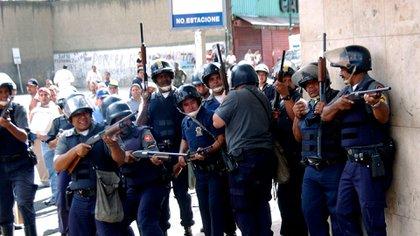 Funcionarios de la desaparecida Policia Metropolitana