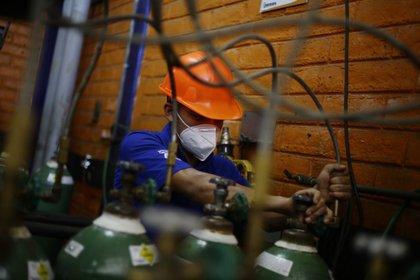 El repunte de la economía será modesto a pesar de que la producción incrementó en 17.9% en el último mes (Foto: EFE/Rodrigo Sura/Archivo)