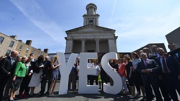 Irlanda votó a favor de la legalización del aborto, según sondeos (Reuters)